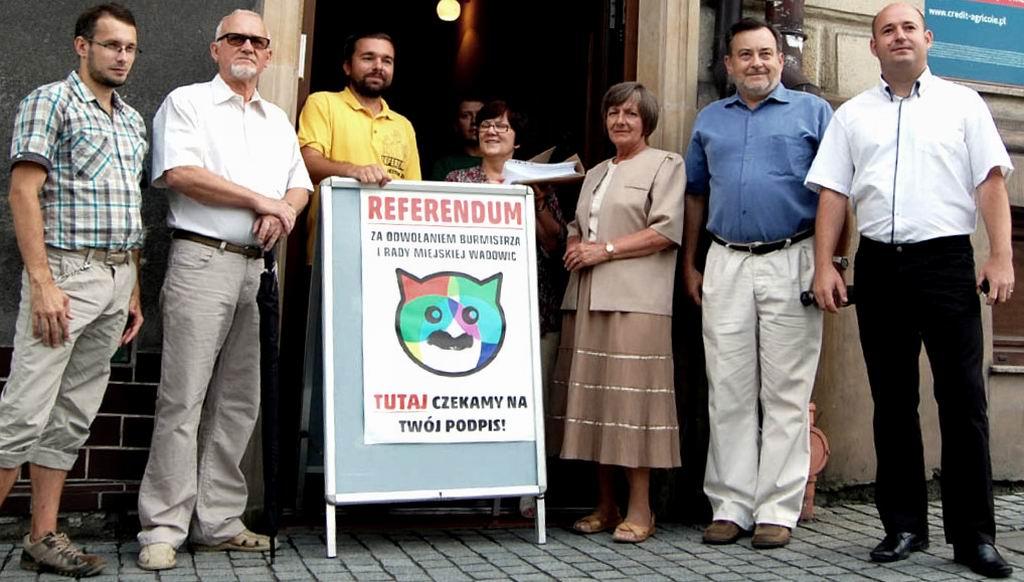 Grupa referendalna z podpisami